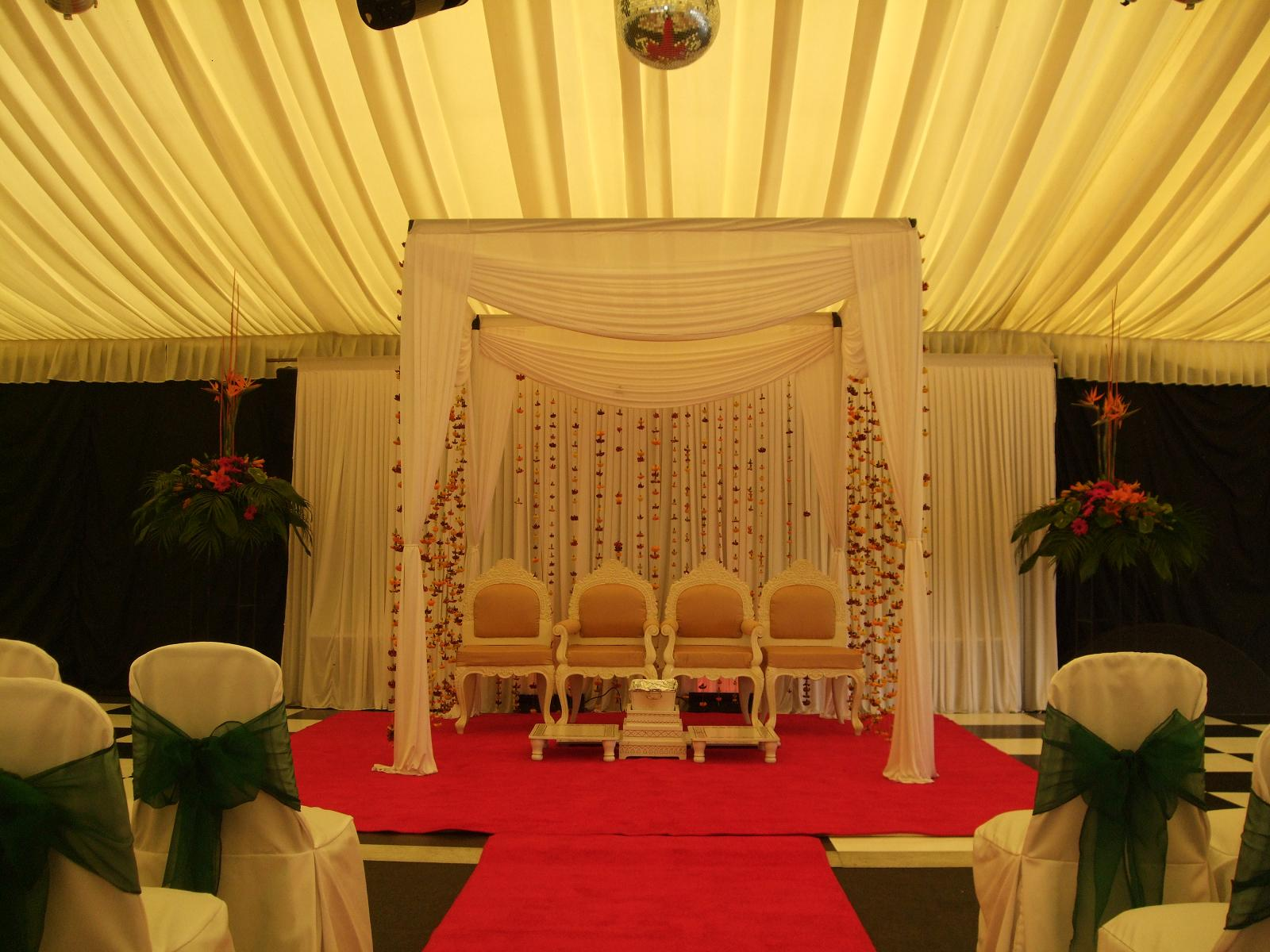 Cake Decorating Company Colwick : Floral Draped Mandap